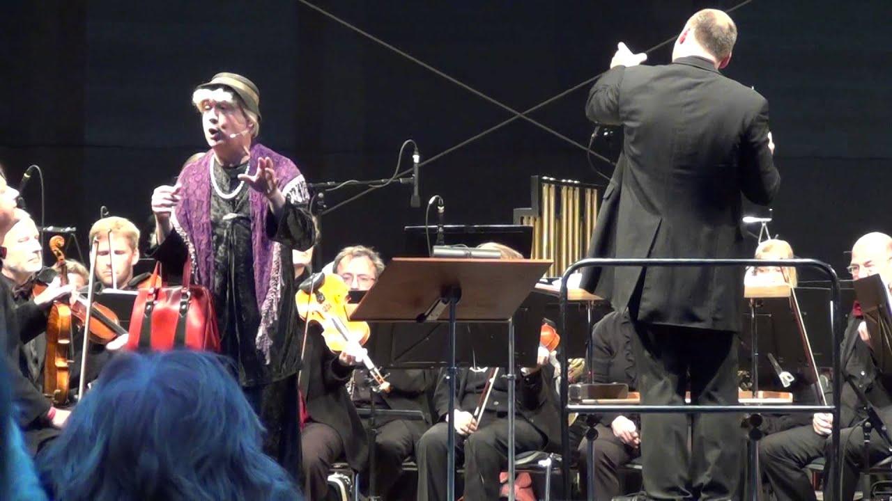 Ilse Bähnert singt über das sächsische Essen