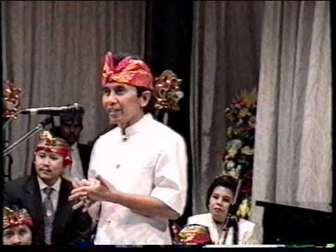 Ciaaattt...Prof. Dr. I Made Bandem (Gamelan in Brussel, 1996)