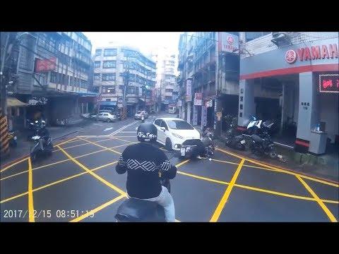過路口都該減速慢行,保障自身安全 | wowtchout
