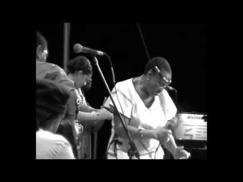 "Miriam Makeba - ""Homeland Tour"" Performance (New York, 2000)"