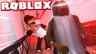 Sneaking Around Granny's House In Roblox! Granny Multiplayer Gameplay