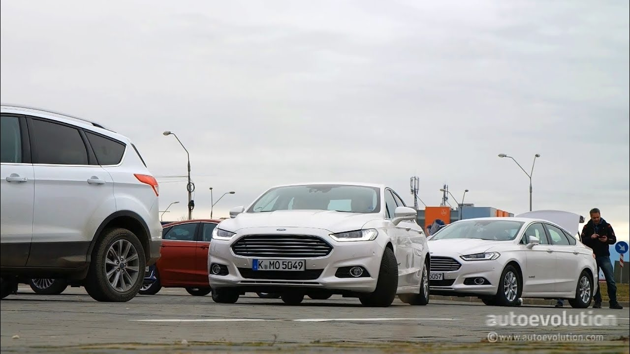 2015 Ford Mondeo Automatic Parking System Demonstration