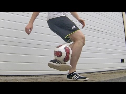 CLIPPER (Tutorial) :: Freestyle Football / Soccer (LOWERS) Footbag Trick