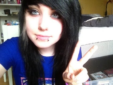 emo style makeup