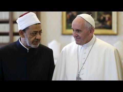 بعد الهجمات ضد الأقباط.. ماذا تحمل زيارة بابا الفاتيكان لمصر؟