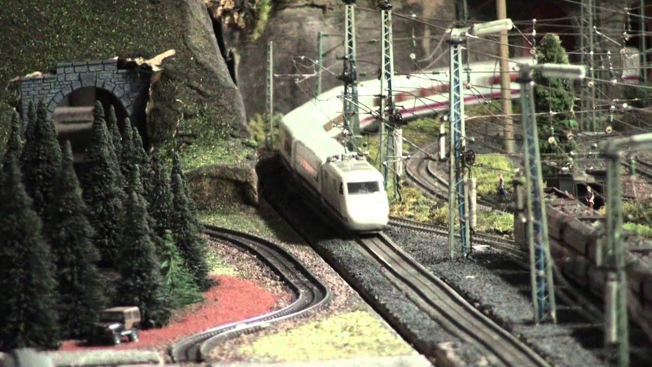 Car Tail Lights >> ICE train: German October Fest: Märklin Modelleisenbahn Anlage Marklin Modelltrain layout - YouTube