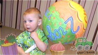 видео Что дарить детям на День Рождения в детском саду: много идей
