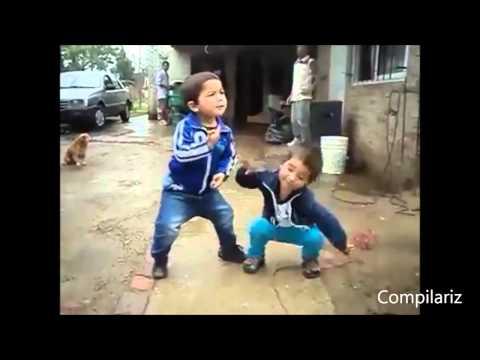 bebes bailando (video de risa)