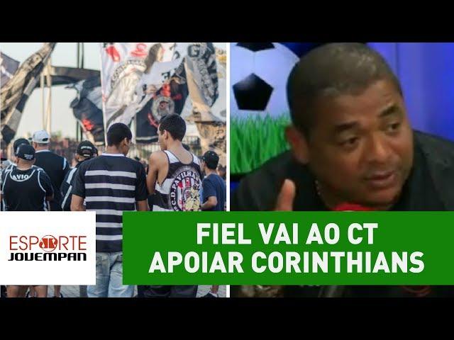 Fiel vai ao CT apoiar Corinthians. Olha o que Vampeta acha disso!