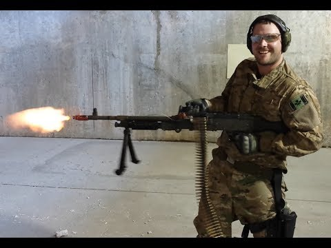 Canadian gets to try American machine guns (M240B, M249 SAW)