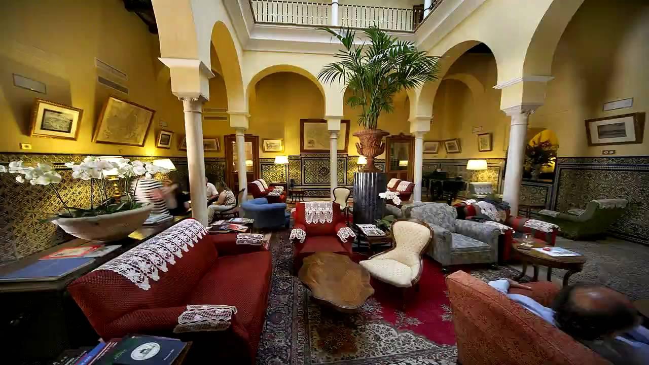 Hotel las casas de la juder a sevilla youtube for Casas de sofas en sevilla