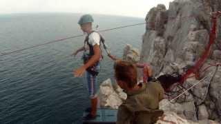 Стрибки в Сімеїзі, скеля Діва (АР Крим, липень 2013)