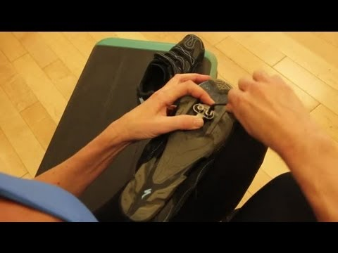 how to install spd clips on cycle shoes indoor cycling youtube. Black Bedroom Furniture Sets. Home Design Ideas