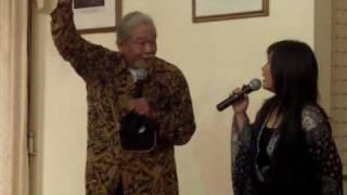 Pak Singgih explains the origin of dangdut