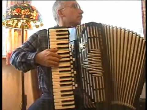 Country Roads (accordion)