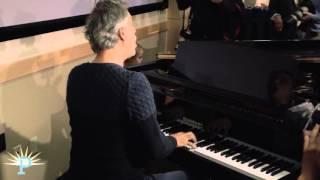 Video Andrea Bocelli sings at the Muhammad Ali Parkinson Center download MP3, 3GP, MP4, WEBM, AVI, FLV Juni 2018