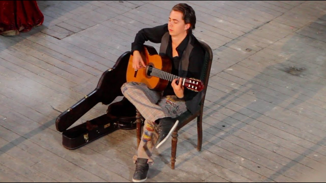 Fear Of The Dark (Iron Maiden) acoustic - Thomas Zwijsen - official video