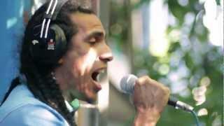 INDIGO de SYSTEMA SOLAR en SERENATA INVERTIDA en vivo desde el balcón de La Tribu