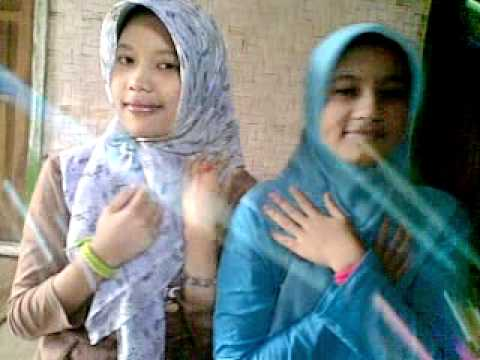 video lucu dua gadis kampung (lhisna And Rini)