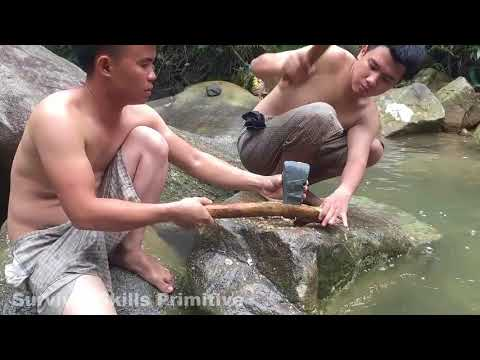 Survival Skills Stone Ax, Coconut Cutting Primitive technology