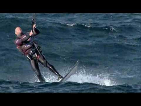 Australian kitesurfers cross the Bass Strait for the first time