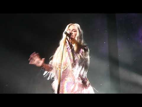 """""""Praying"""" Kesha@Ocean Resort Casino Atlantic City 11/16/18"""