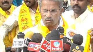 Peram Nagi Reddy on liquor MRP issue addressing media before bike rally on 06.01.12