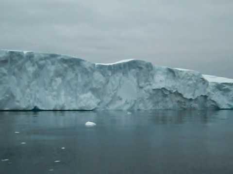 Greenland - Mid Night Sailing in Ilulissat