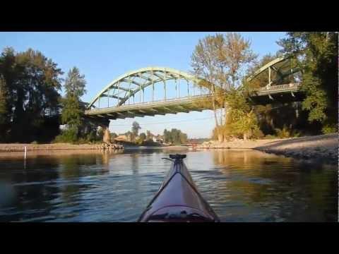 Kayaking Willamette River : Oregon City