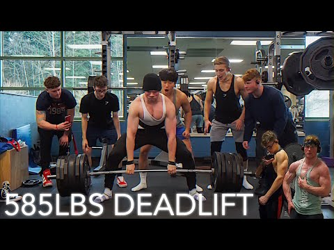17yr Old 585 DEADLIFT| BENCH OFF| SQUAD WORKOUT & New Years Party!
