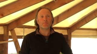 Elevage bio oeufs et poules JANICK PEYRON à Cardet (Gard) (extrait film de patrick laurent)