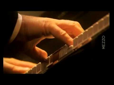 Beethoven Sonata N° 16   Daniel Barenboim