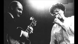 Ella Fitzgerald & Joe Pass - Easy Living