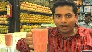 Mumbai's Haji Ali Juice Shop - India Travel