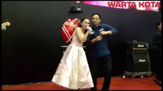 Video ayu tingting di bursa saham download MP3, 3GP, MP4, WEBM, AVI, FLV Oktober 2017