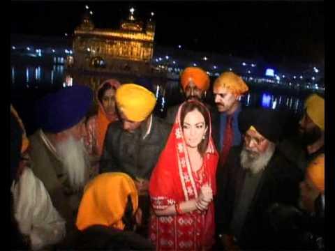Nita Ambani pays obeisance at Golden Temple in Amritsar. Mp3