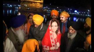 Nita Ambani pays obeisance at Golden Temple in Amritsar.