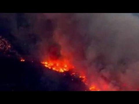 Firefighters make progress fighting California wildfires
