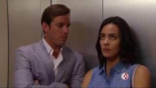 La vecina - Sara y Antonio se quedan atrapados en el elevador