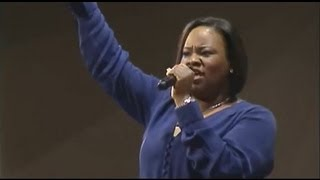 """Break Every Chain"" Tasha Cobbs Leonard, First Baptist Church of Glenarden"