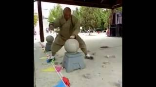 Как правильно разбивать камни и кирпичи