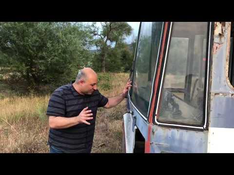 Последний тбилисский троллейбус бесславно доживает свой век на пустыре
