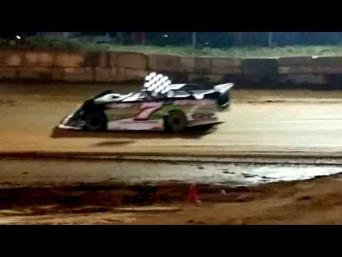 Darrick York #Y7 takes the checkered to victory lane @ Wartburg Speedway (3-25-17)