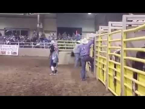 Chrispin James vs war pony bulls 2016 apache gold