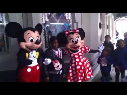 The Great Circus Mystery starring Mickey and Minnie Mouse est un jeu vidéo de plate-forme et d'action sorti en sur Mega Drive et Super Nintendo. C'est l.