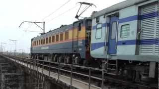 12542 Mumbai LTT-Gorakhpur Express Crossing 12168 Varanasi-Dadar SF Express!!!!!