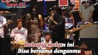 "Video ""OM.TROMIC'S"" SYALALA - WIWIK ARNETHA LIVE IN MURYOLOBO 14/06/2012 download MP3, 3GP, MP4, WEBM, AVI, FLV Maret 2018"