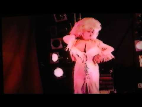 Dolly Parton with Little Tiny Tassletop on The Dolly Show 1987/88 (Ep 10, Pt 6)Kaynak: YouTube · Süre: 1 dakika55 saniye