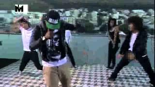 "Khuli Chana  Performs  "" Tswa Daar "" (1.2.2013)"