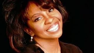 Gladys Knight - Talks about her life, Diana Ross & Berry Gordy Part 1 -Radio Broadcast 30/08/2018